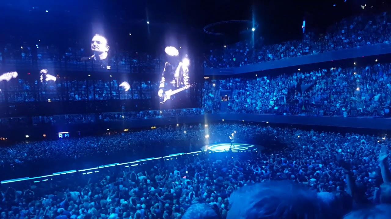 U2 a folosit imagini de la protestele din București în timpul concertului din Amsterdam